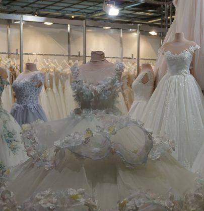 Co można kupić w komisie ślubnym online?