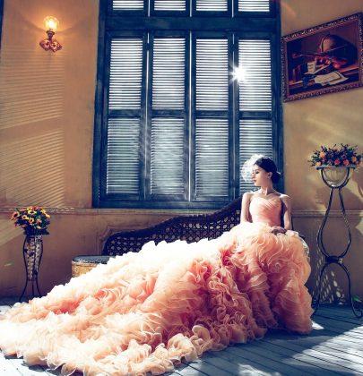 Jak uratować ślubną kreację od wieloletniego zalegania na dnie szafy?