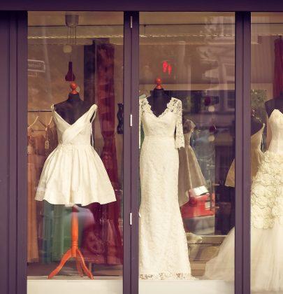 Kup, sprzedaj, wypożycz – w świecie internetowych komisów ślubnych