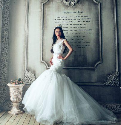 Czy suknia ślubna po ceremonii i weselu musi wylądować na dnie szafy?