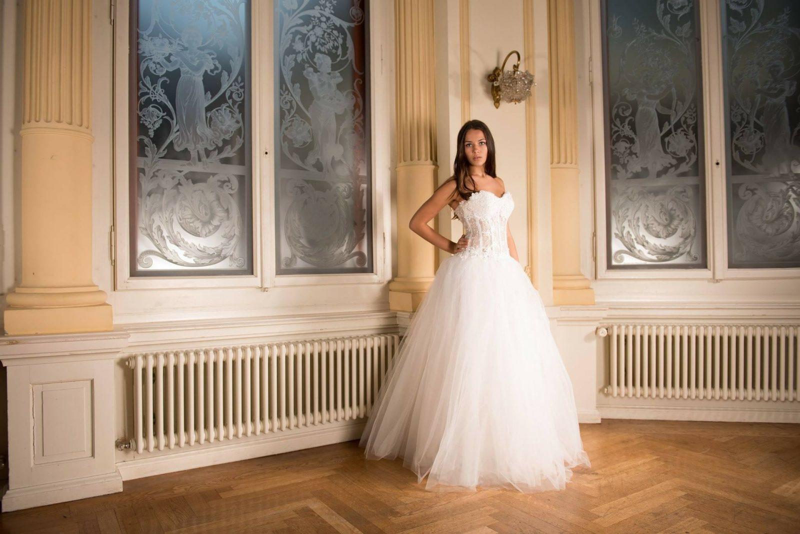 warto kupić suknię ślubną