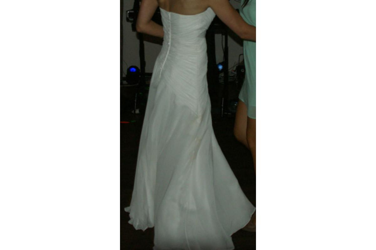 Suknia ślubną w kolorze śmietankowym – wyprana – salon: elizabethpassion