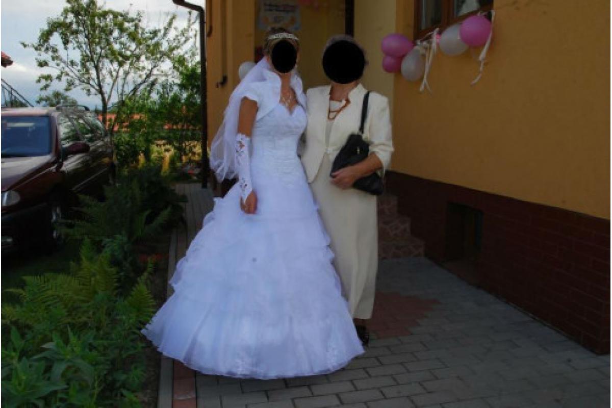sprzedam śliczną suknię ślubną z dodatkami