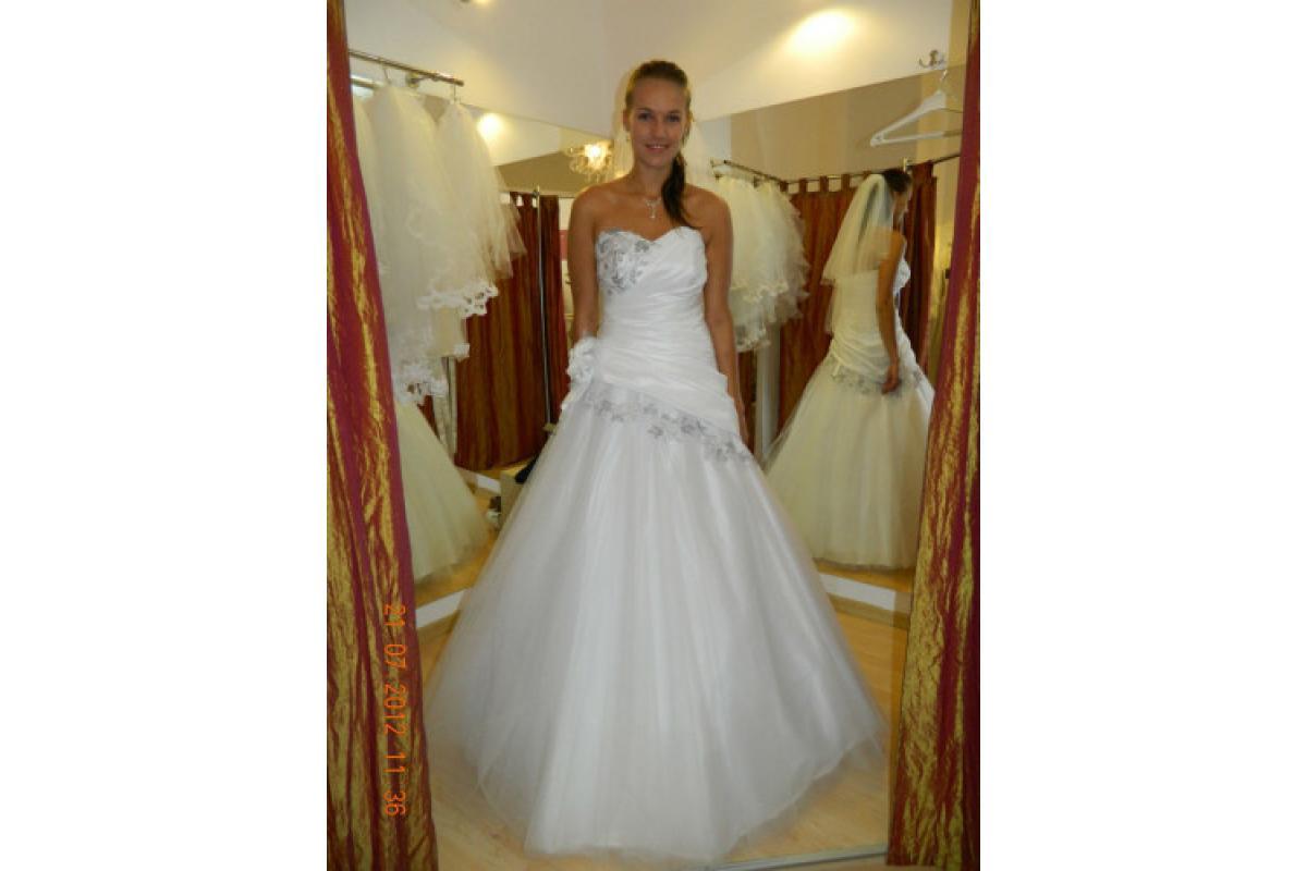 MS Moda model Cornelia