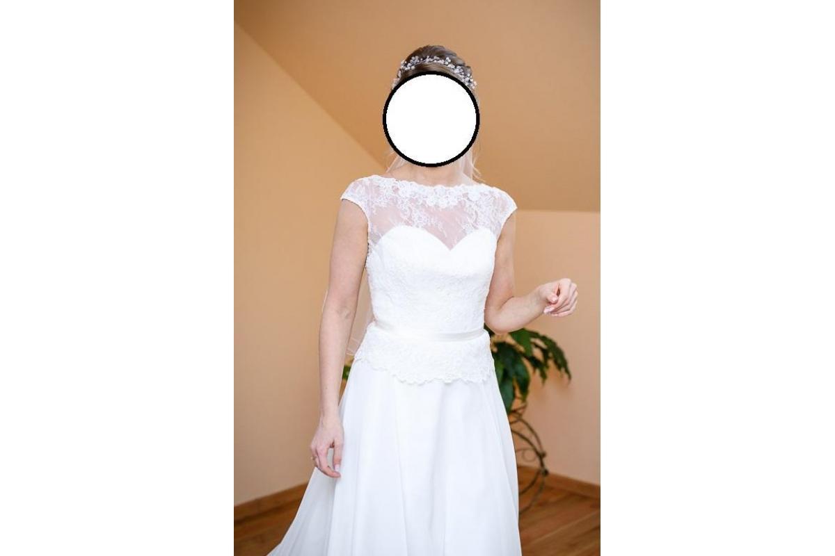 Subtelna suknia ślubna r. 36