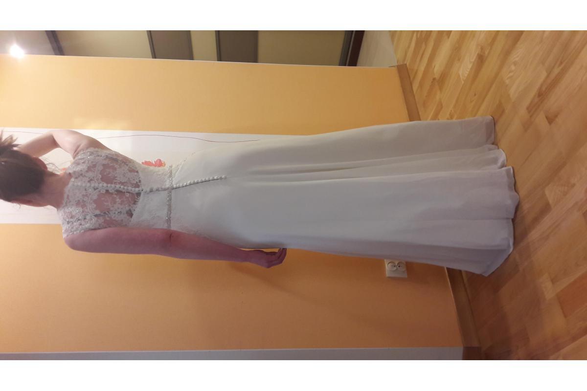 Przepiękna klasyczna suknia ślubna