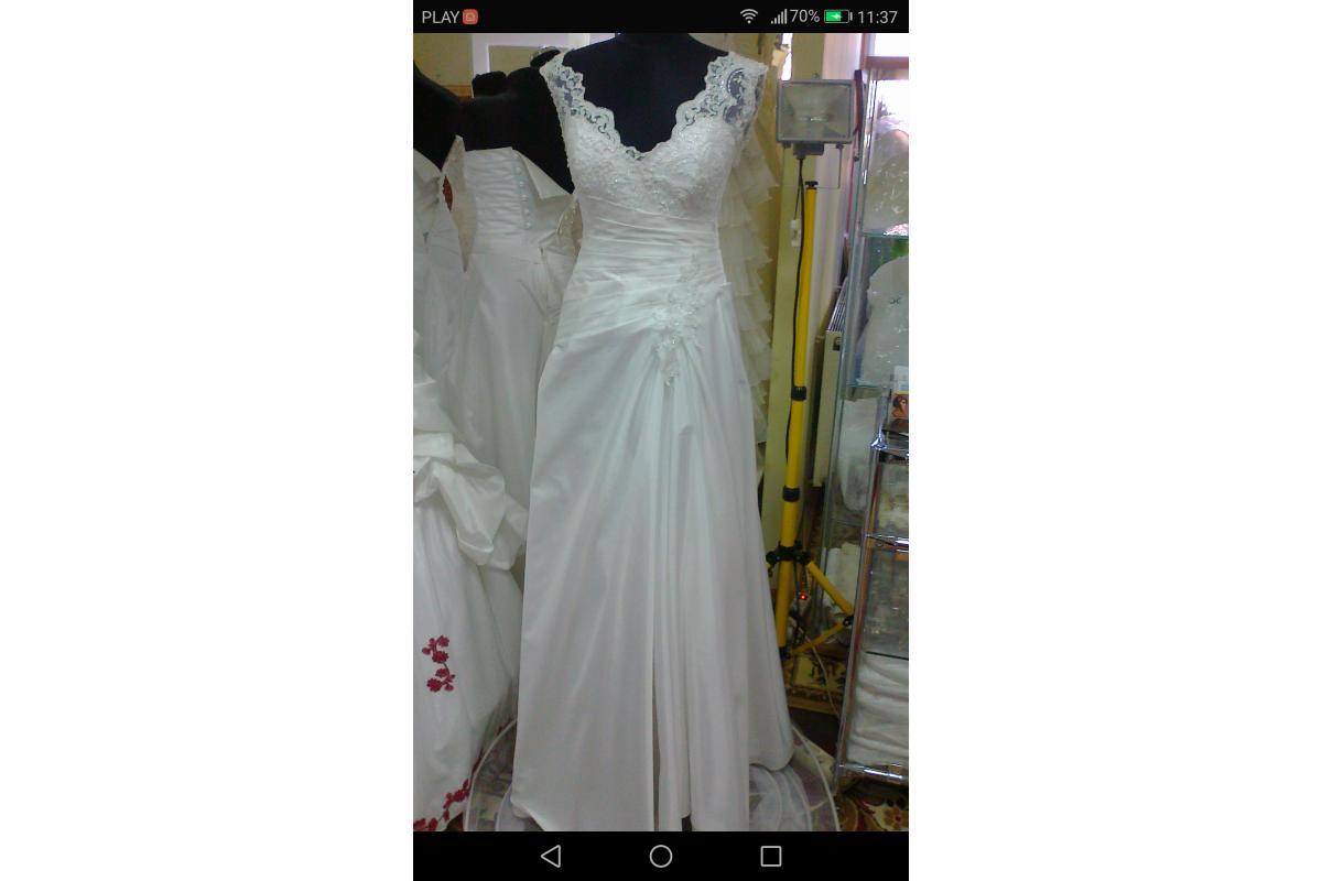 Suknia ślubna na wysoką dziewczyne
