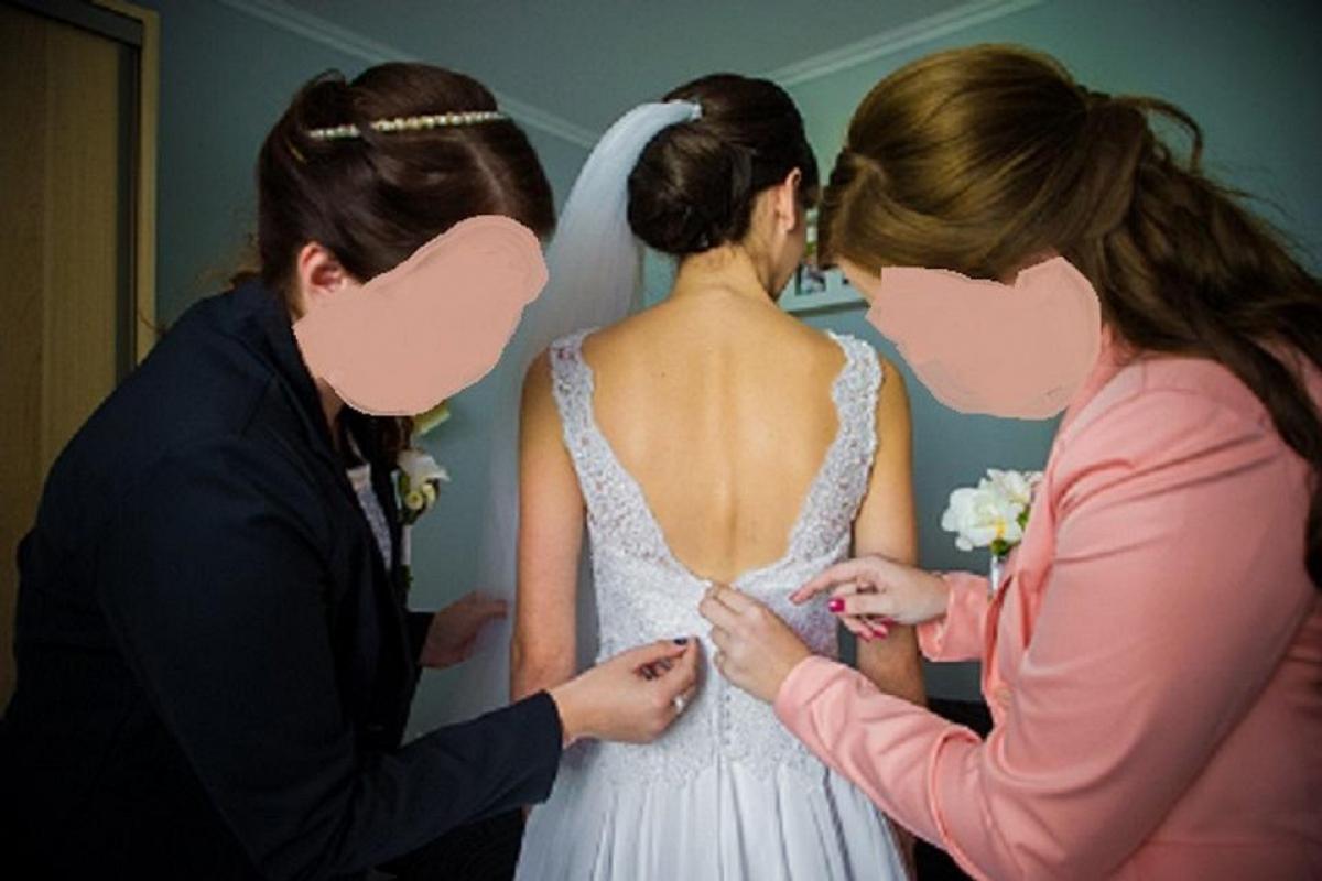 Sprzedam:) Suknię Ślubną