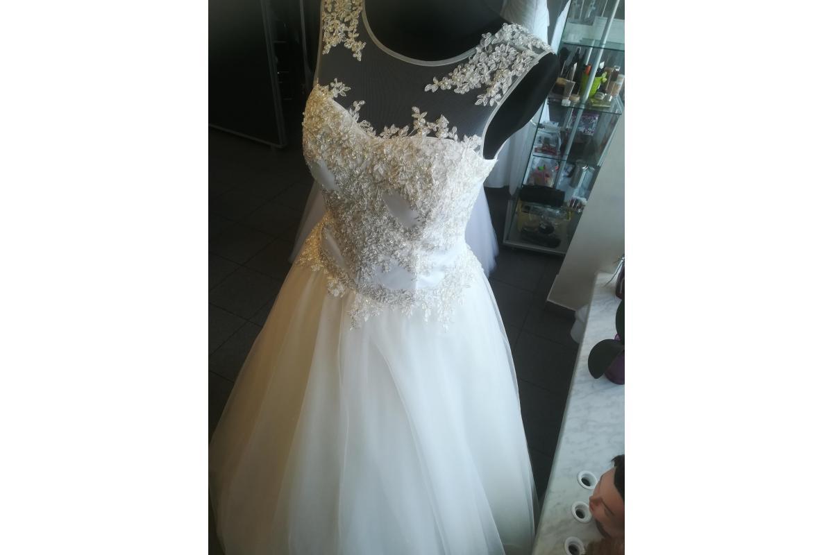 Suknia ślubna rozmiar 38-40 Polecam