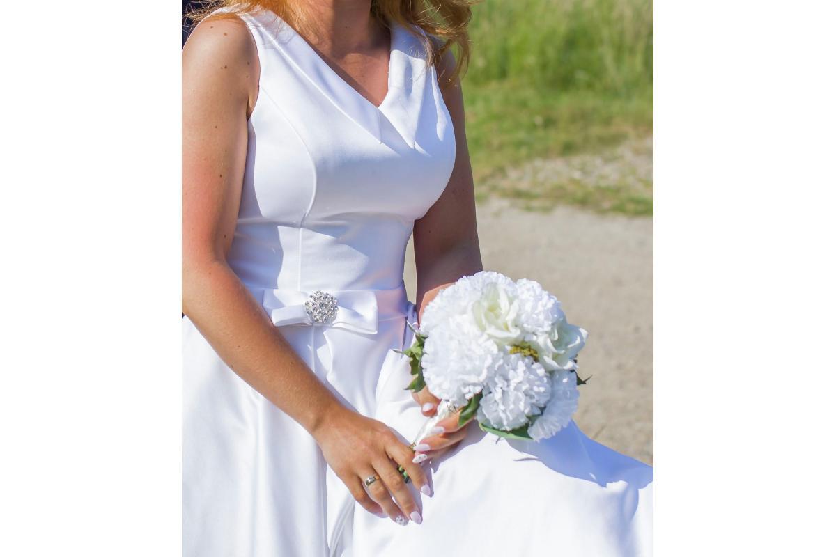 Witam przyszłe Panny Młode   Mam do zaoferowania piękną suknię ślubną uszytą na wymiar w salonie suk