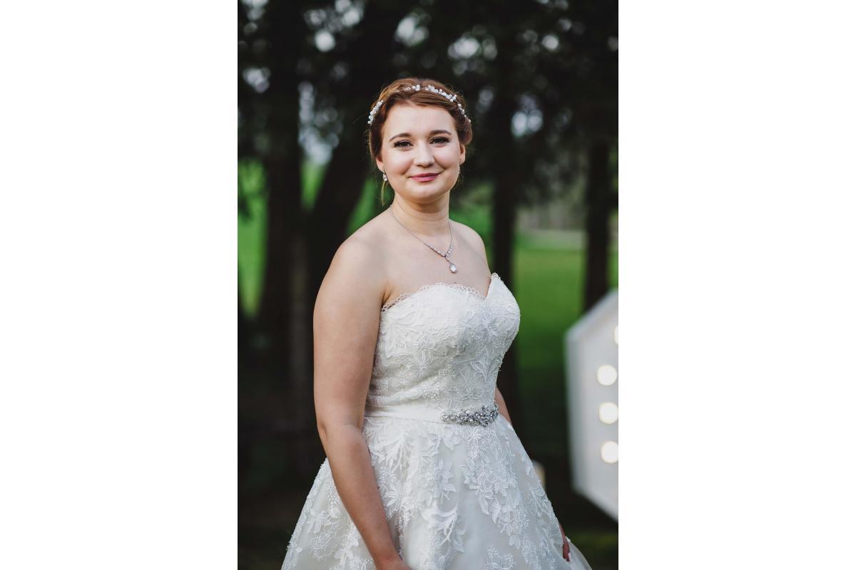 Sprzedam przepiękną koronkową suknię ślubną rozm 36-40
