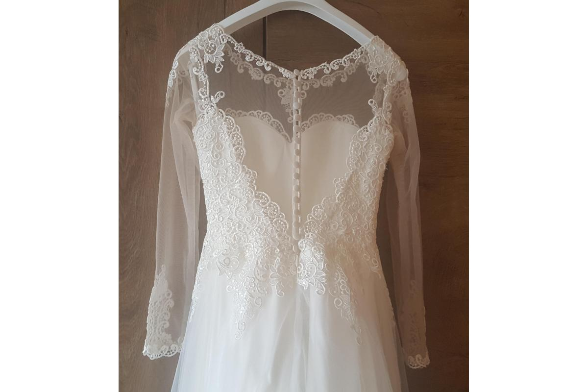 Zmysłowa suknia ślubna.