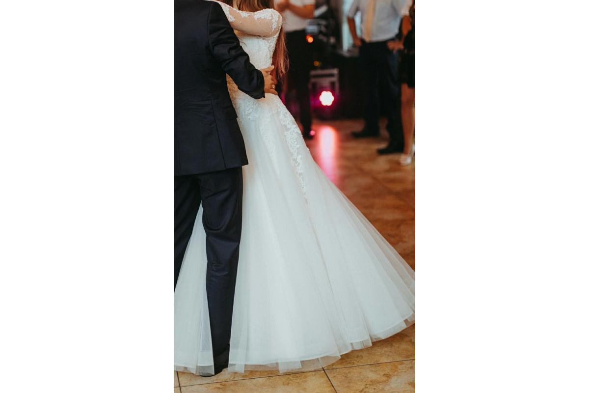 Zjawiskowa sukia ślubna firmy SposaBella Vanilla Sposa.