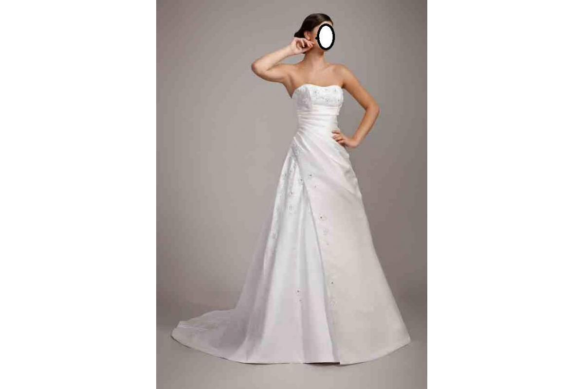Sprzedam piękną suknię ślubną z kolekcji Wings za jedyne 699zł !!! GRATIS: bolerkio i welon
