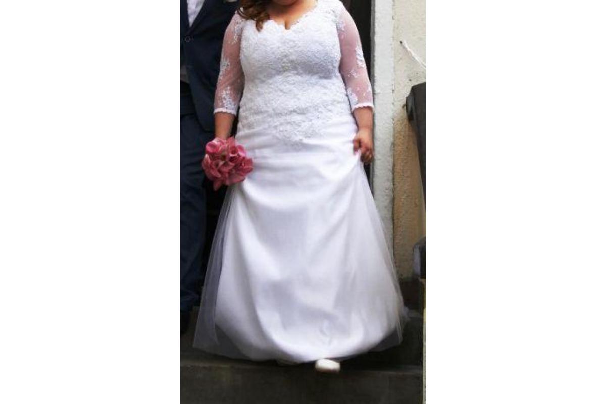 Piękna koronowska suknia ślubna dla większej Pani - rozmiar 44-48