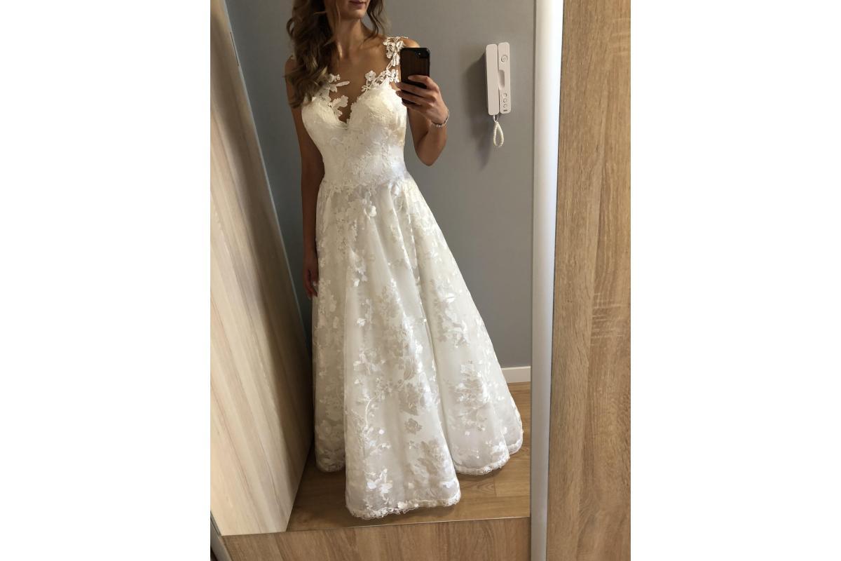Piękna suknia ślubna:)
