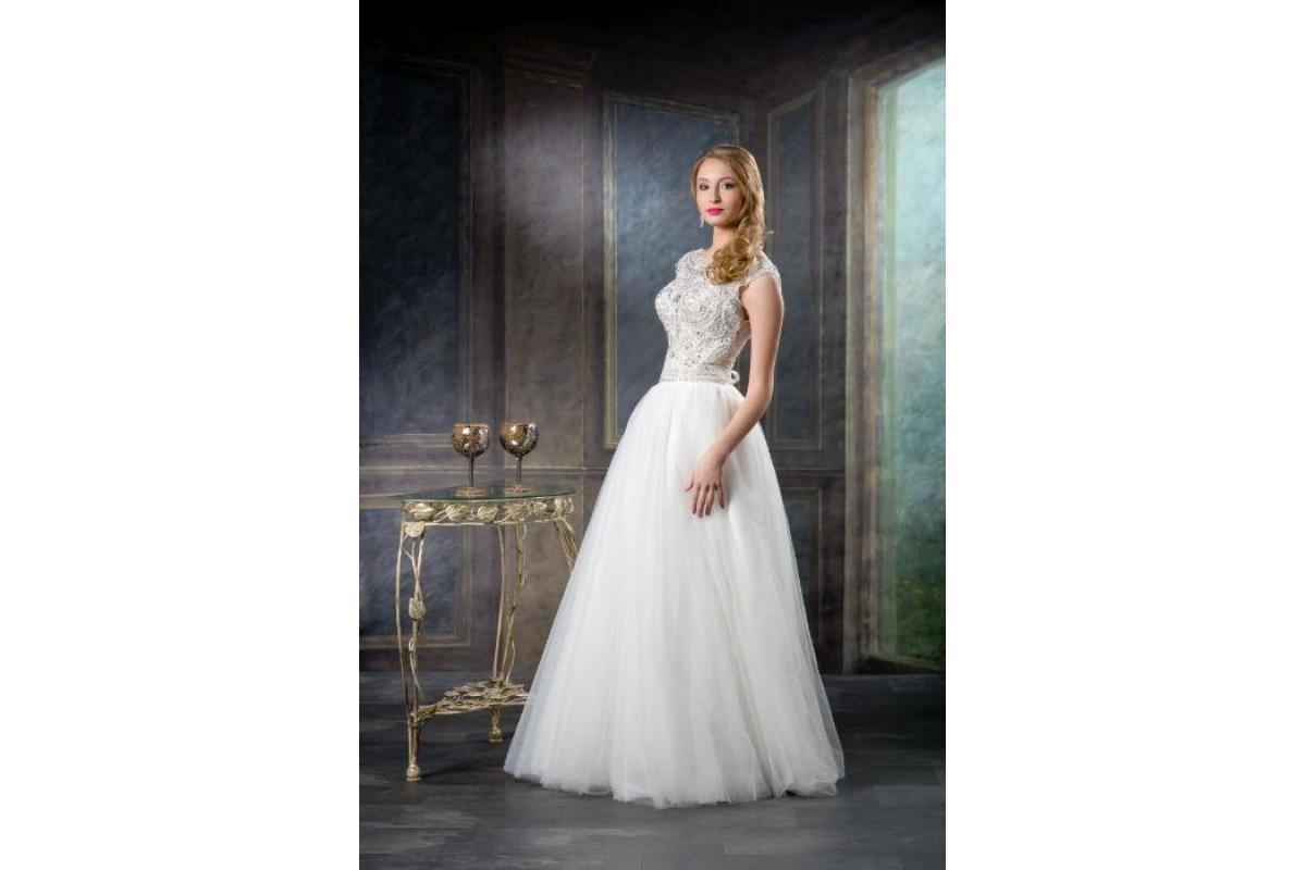 Suknia ślubna biel cyrkonie welon
