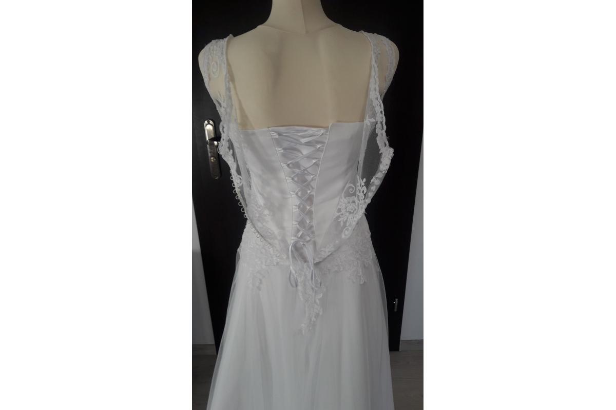 suknia ślubna koronkowa biała litera A