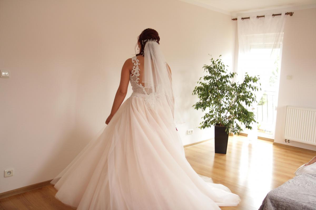 suknia pudrow róż 38-40 r