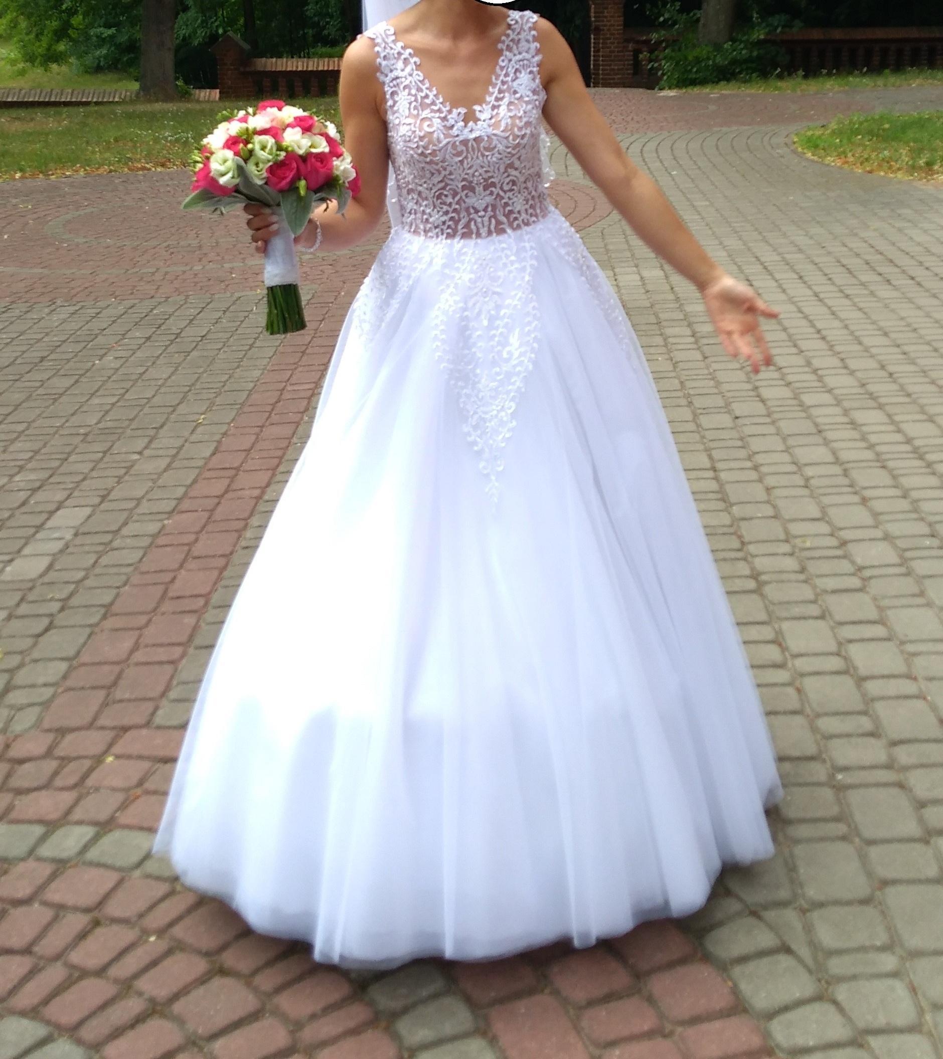 Piękna Suknia ślubna Anastazja Z Długim Trenem Roz 3436 Welon