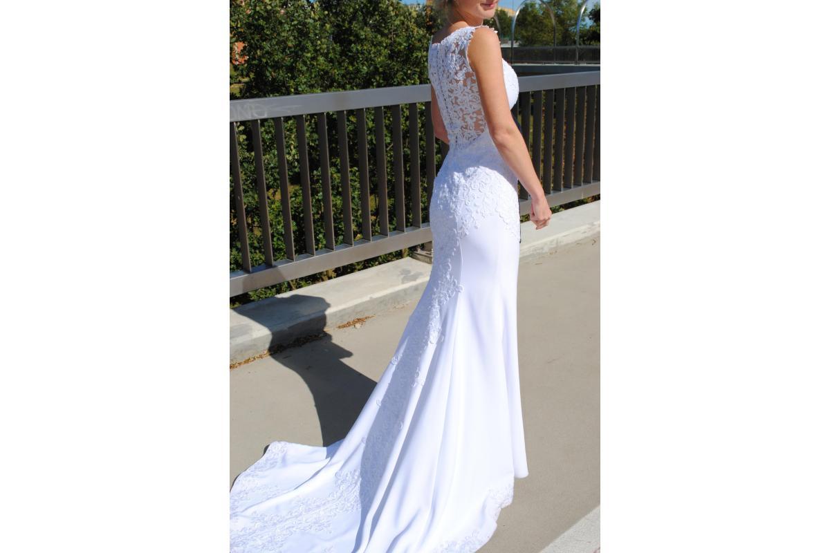 suknia ślubna syrenka rybka pronovias