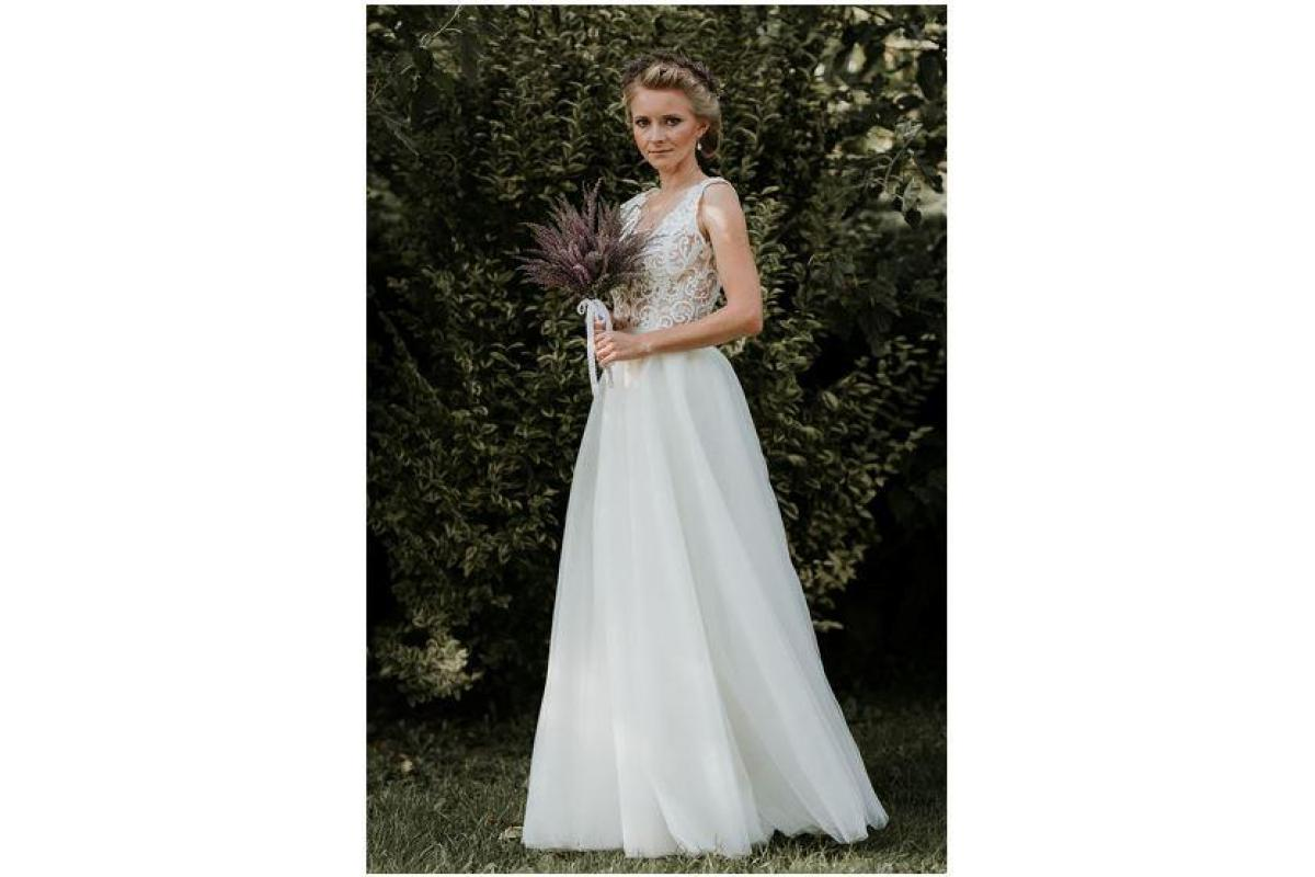 Suknia ślubna Pilar - model Konstancja 2018 r. 34