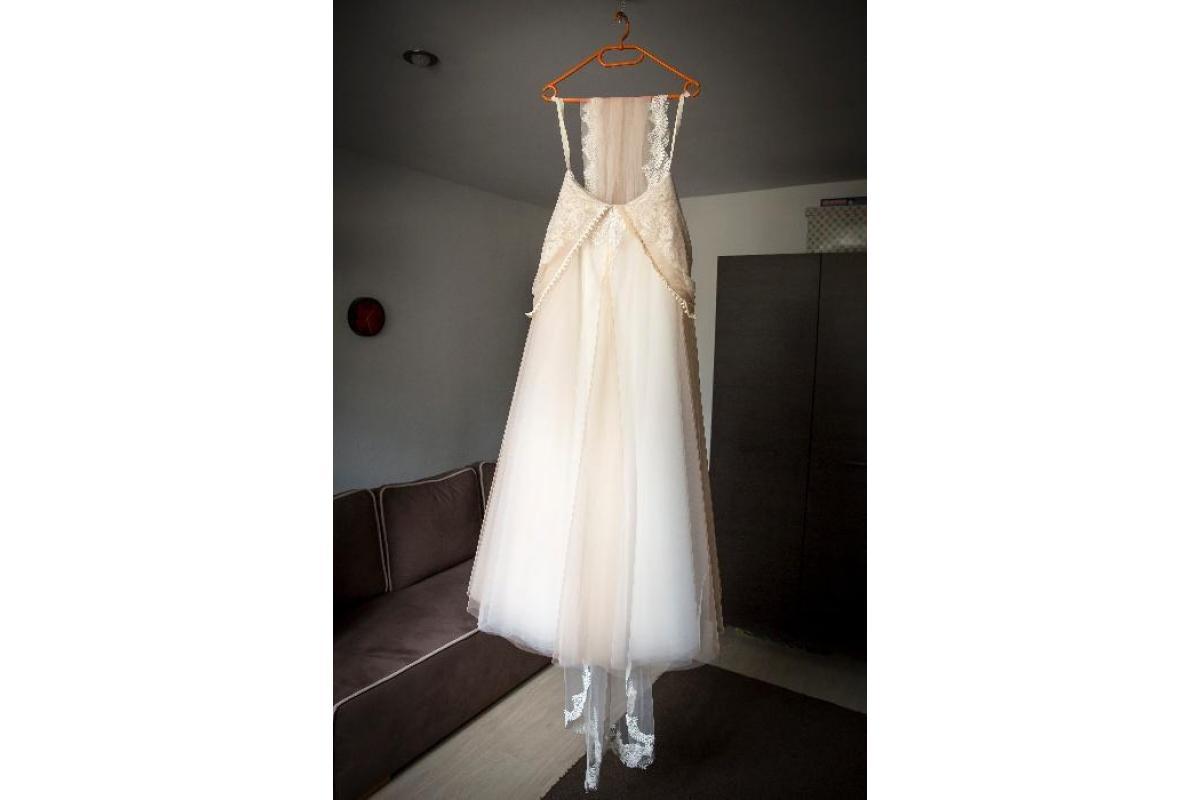 Brzoskwiniowa suknia ślubna 36