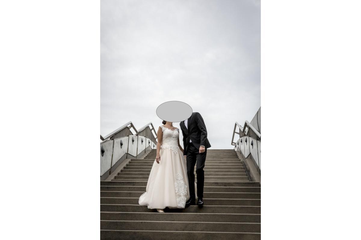 Suknia ślubna rozmiar M