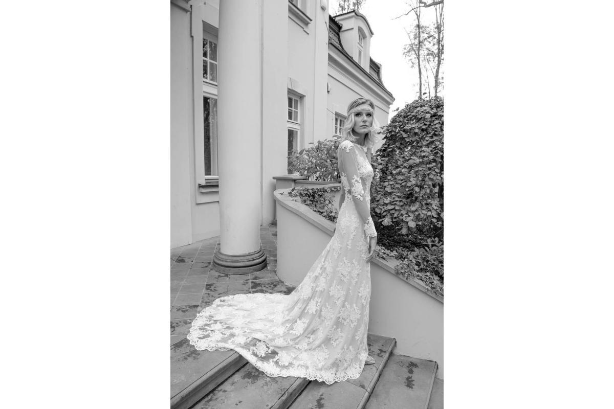Suknia ślubna Atelier Juliette boho koronkowa