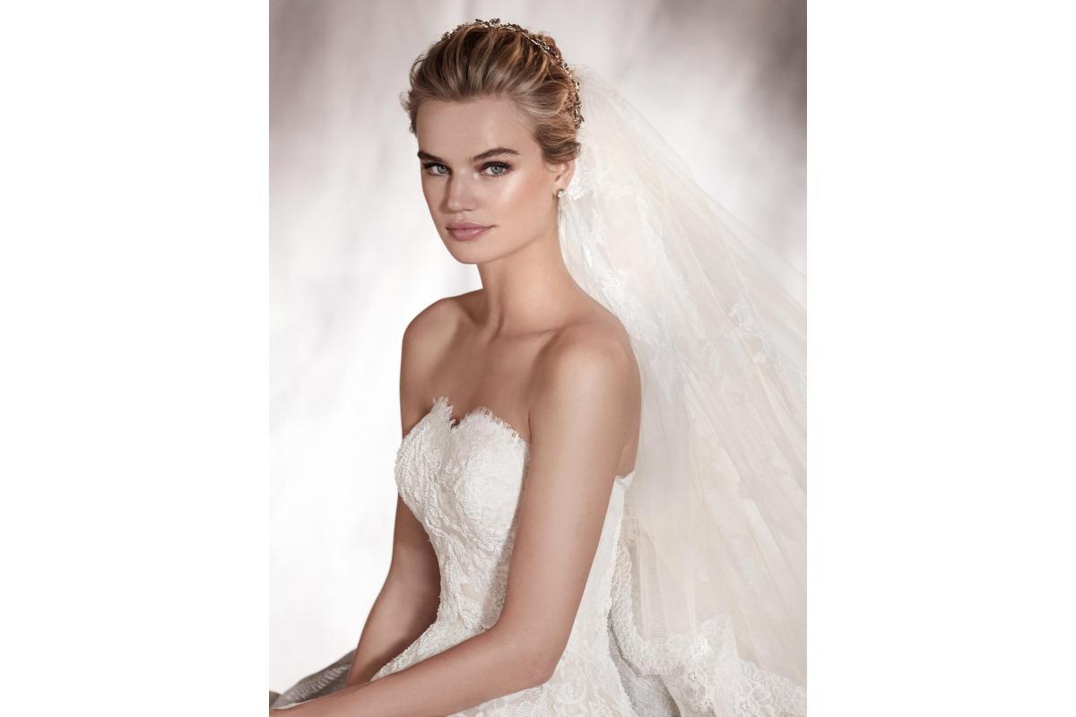 Piękna suknia ślubna PRONOVIAS model ALOHA
