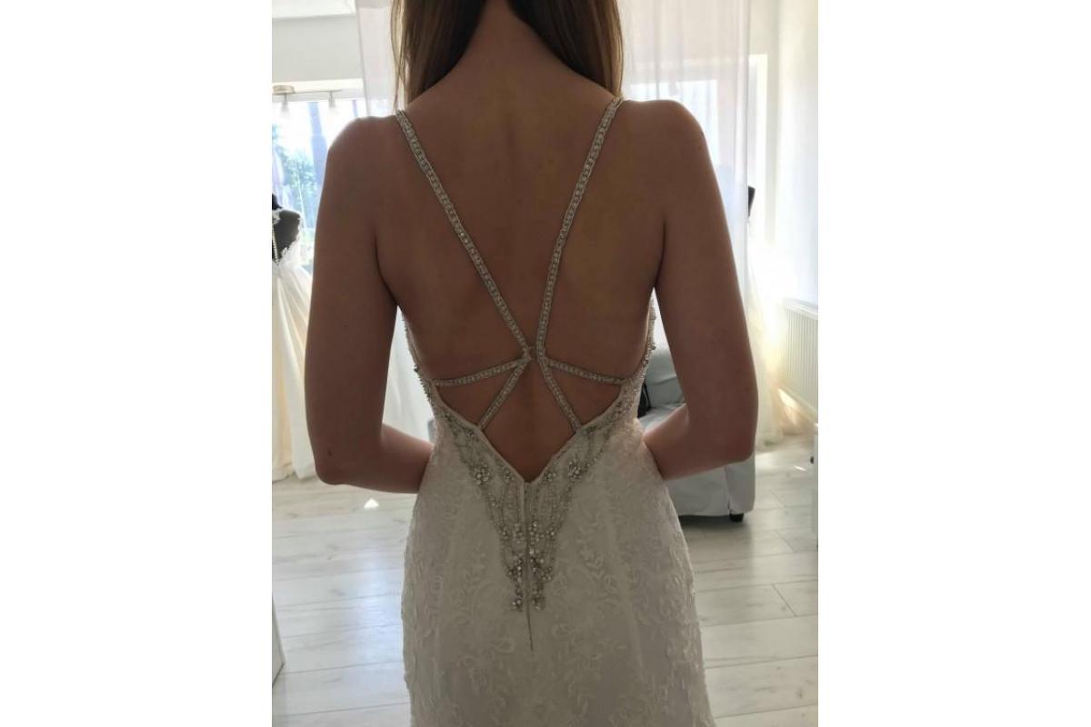 Przepiękna suknia ślubna Moonlight H1292
