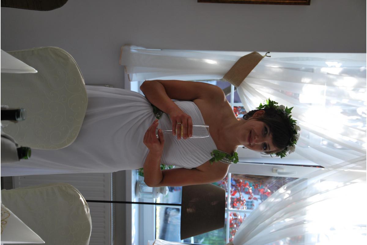 zwiewna suknia w stylu greckim
