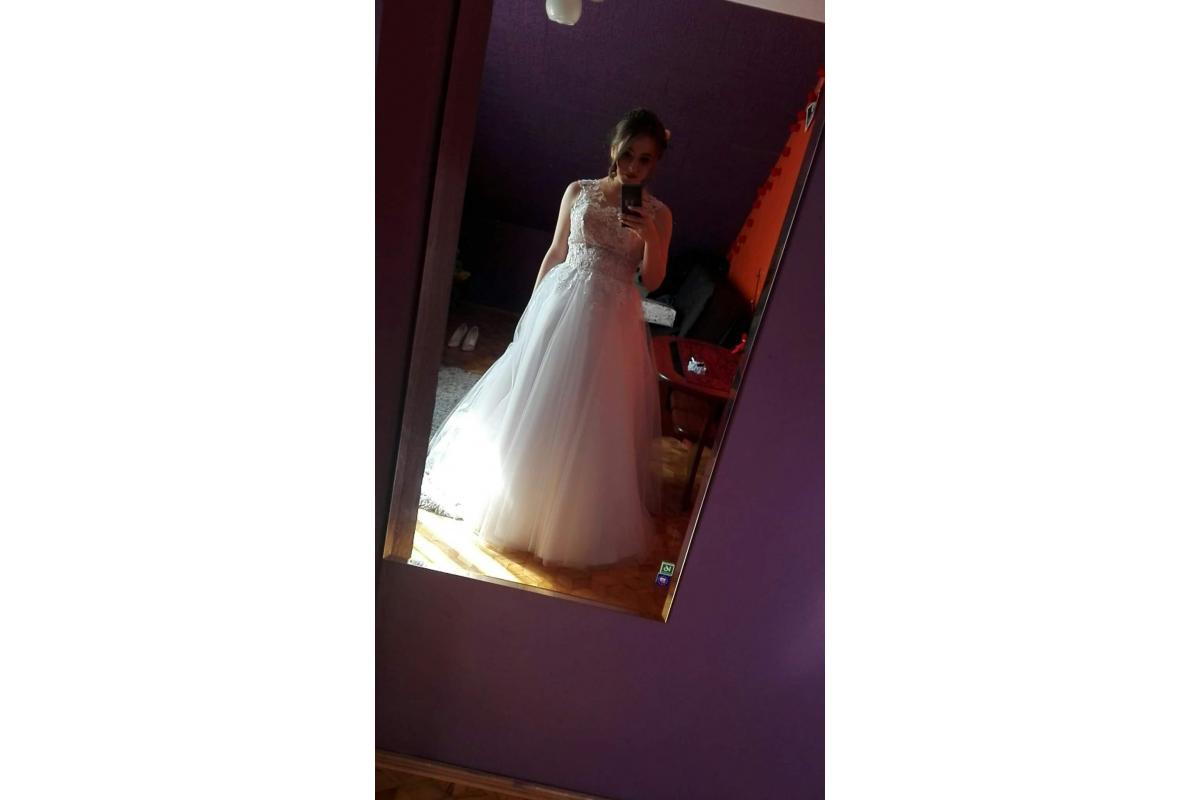 Suknia ślubna. Model 2018