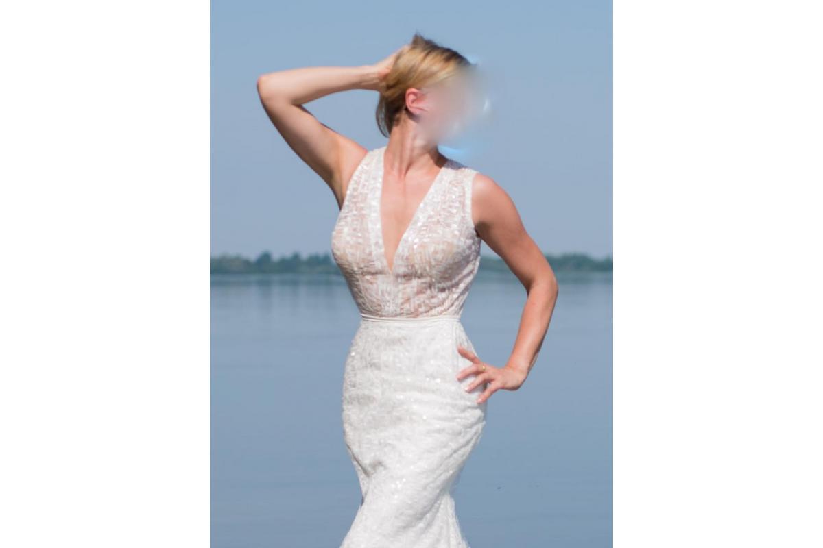 Piękna i oryginalna suknia projektu Agnieszki Światły.