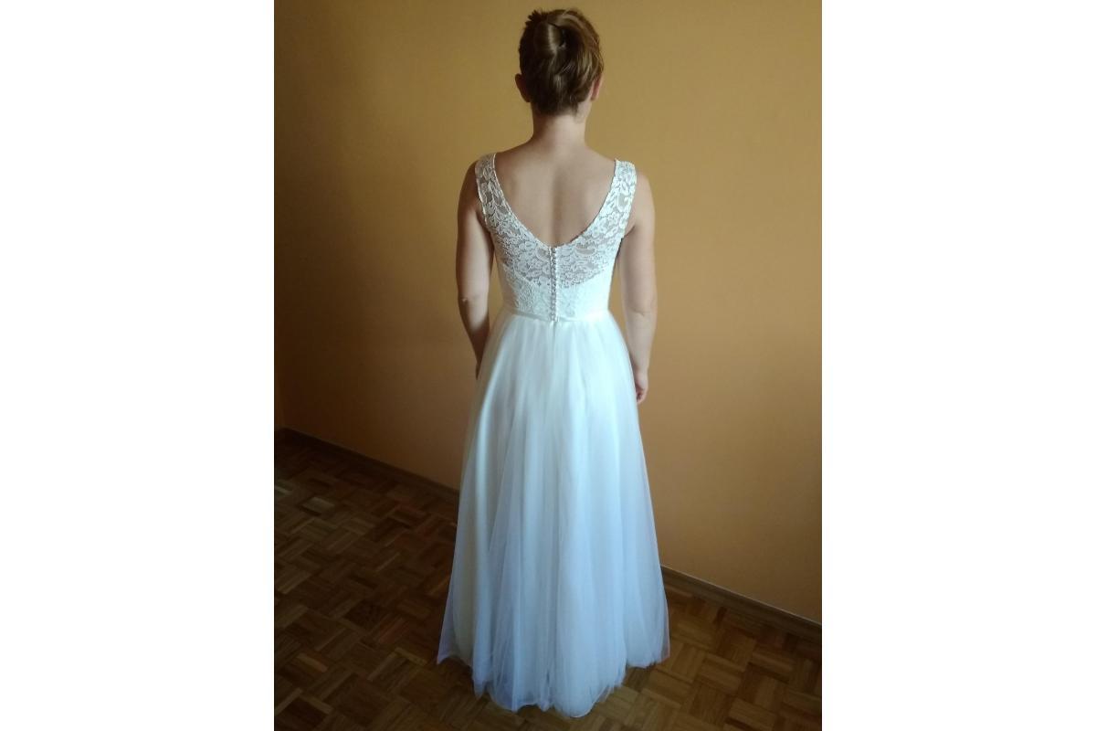 Suknia ślubna - prosta elegancja rozm 36