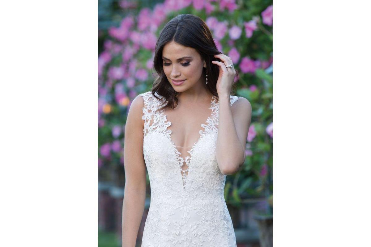 Lekka suknia koronkowa Sincerity 3913 do negocjacji