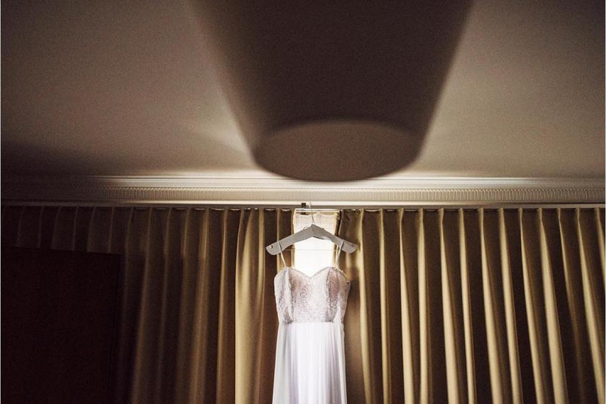 Suknia ślubna prosta