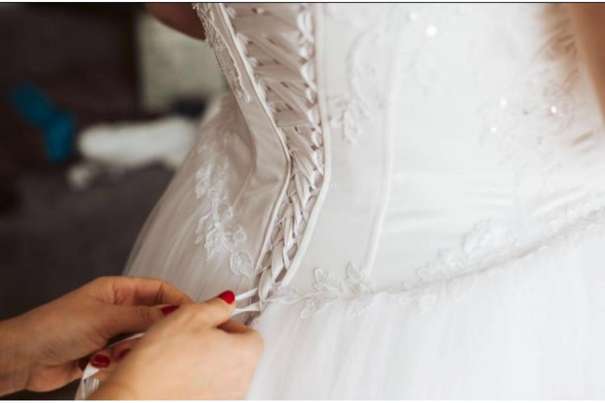 Sprzedam suknie ślubna +welon+ koszulka