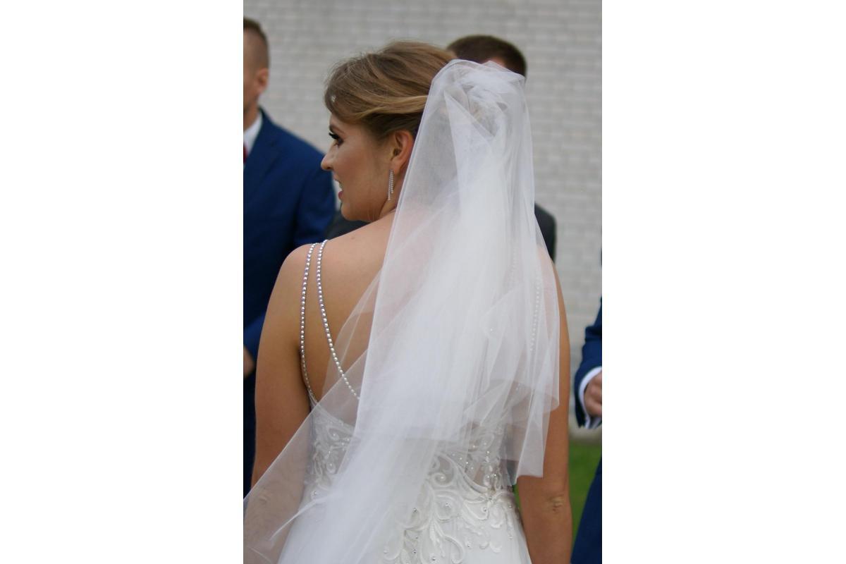 suknia ślubna z cyrkoniami swarovskiego