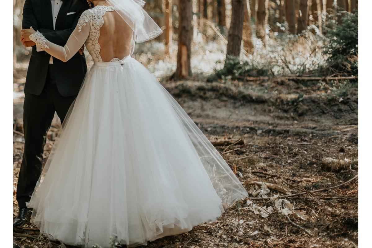 Suknia ślubna z długim rękawem AGNES