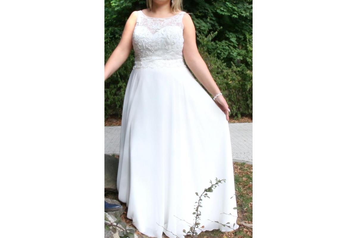 Piękna suknia wykonana z muślinu 44/46 gratis gładki welon+błękitna podwiązka oraz drewniane pudełko