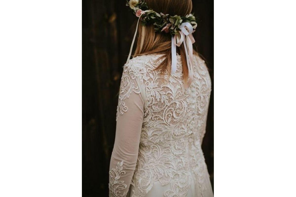 Suknia ślubna koronka boho