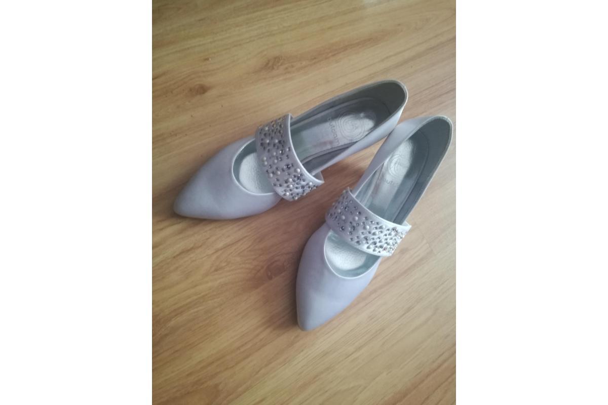 Buty ślubne nowe