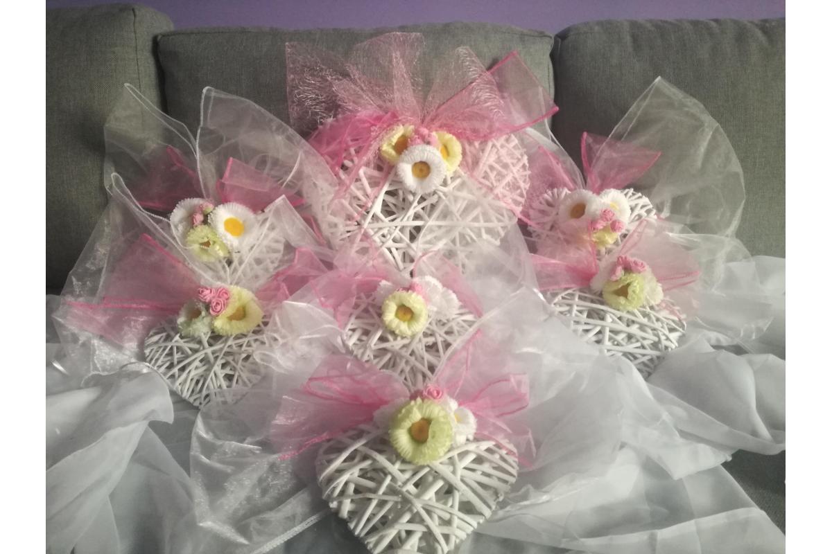 Wiklinowe serca dekoracja ślubna