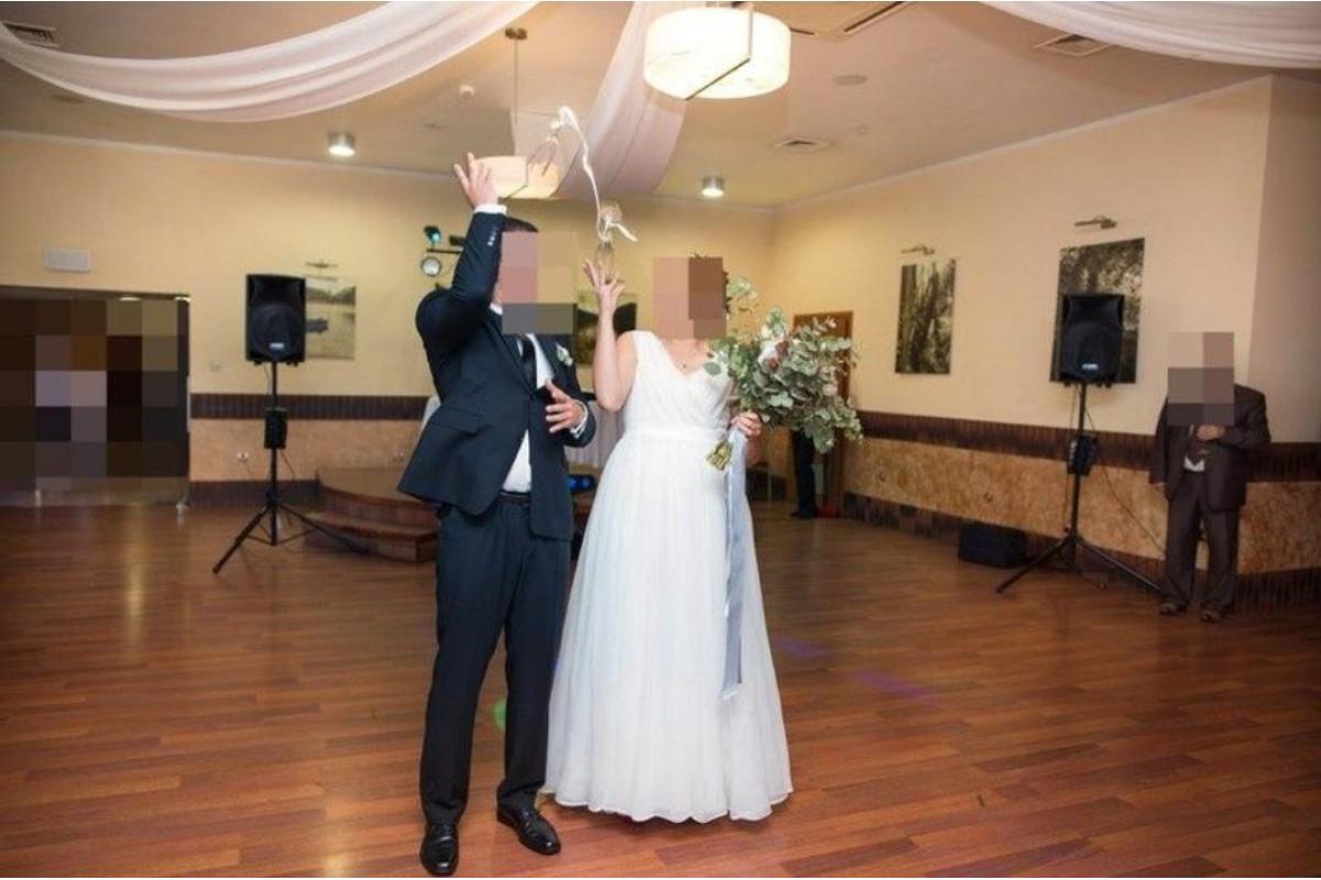 Zwiewną szyfonowa suknia ślubna
