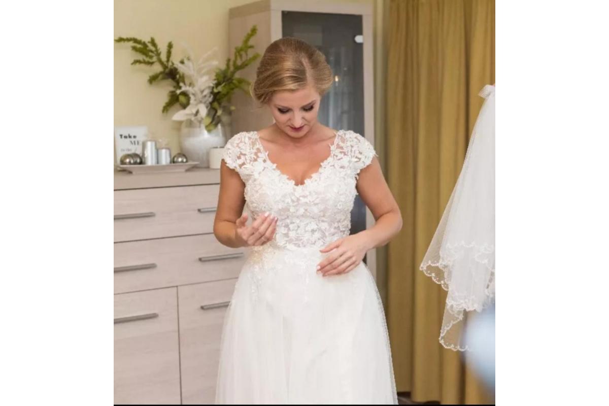 Suknia ślubna Barton r.38 śmietankowa