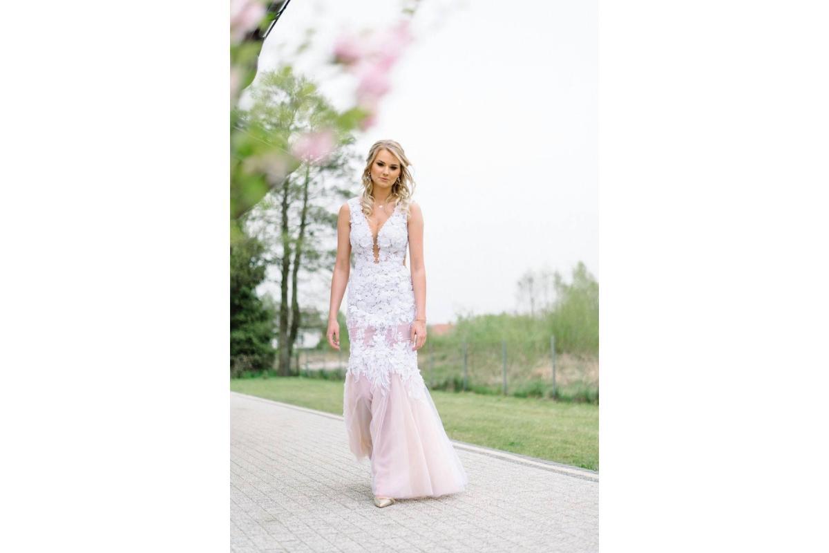 Suknia ślubna księżniczka/syrenka