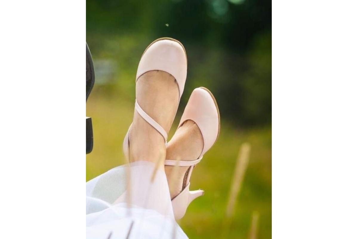 Buty ślubne, skórzane, pudrowy róż, rozm. 39