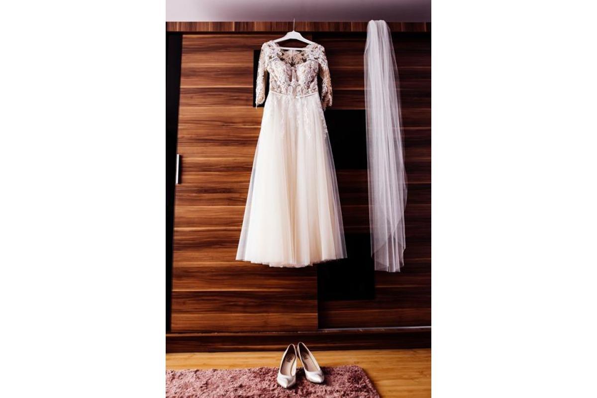 suknia ślubna, haft, tiul, rozmiar 38