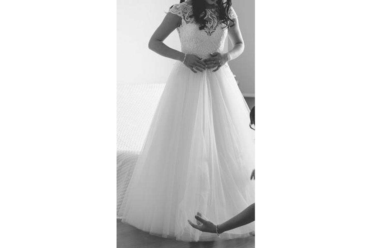 Piękna Suknia Ślubna !